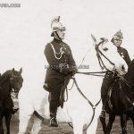 Пожарникари на парад в Борисовата градина, в средата на бял кон - легендарният командир Юрий Захарчук, София 1933 г.