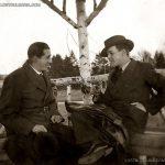Двама млади господа в беседка, Борисовата градина, 30-те години на ХХ век