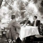 """На по бира в кръчмата на острова в езерото """"Ариана"""", Борисовата градина, 30-те години на ХХ век"""
